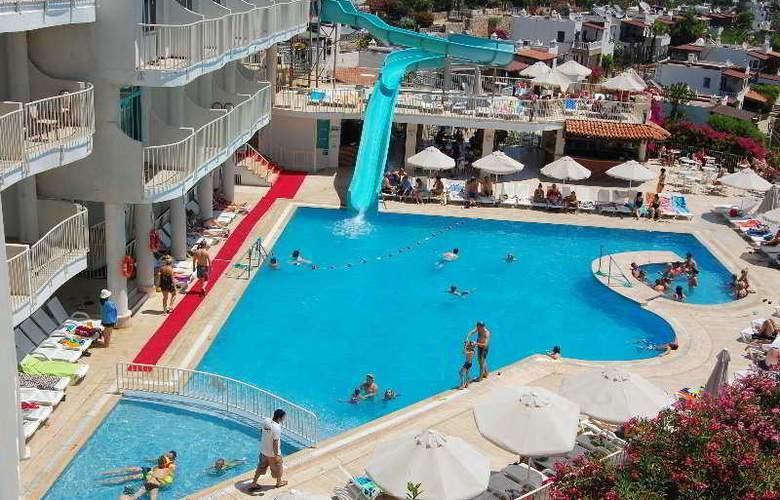 Royal Panacea Hotel - Pool - 7