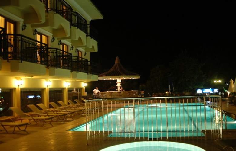 Dalyan Tezcan Hotel - Pool - 7