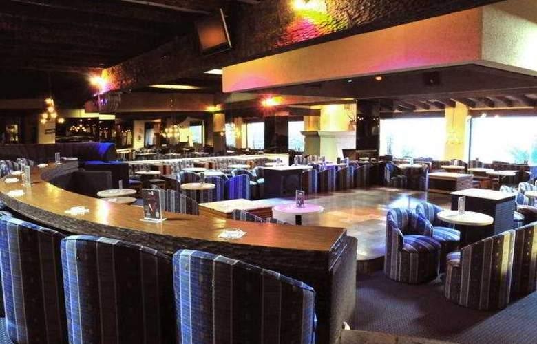 El Tapatio and Resort - Bar - 9