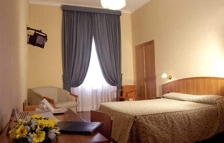 Corot - Room - 2