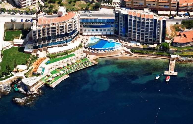 Charisma De luxe - Hotel - 12