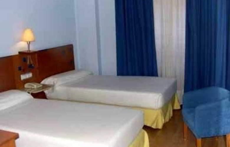City Express Covadonga - Room - 8