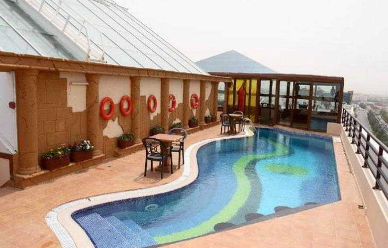 Seaview Hotel Bur Dubai - Pool - 2