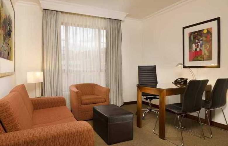 Embassy Suites - Hotel - 6