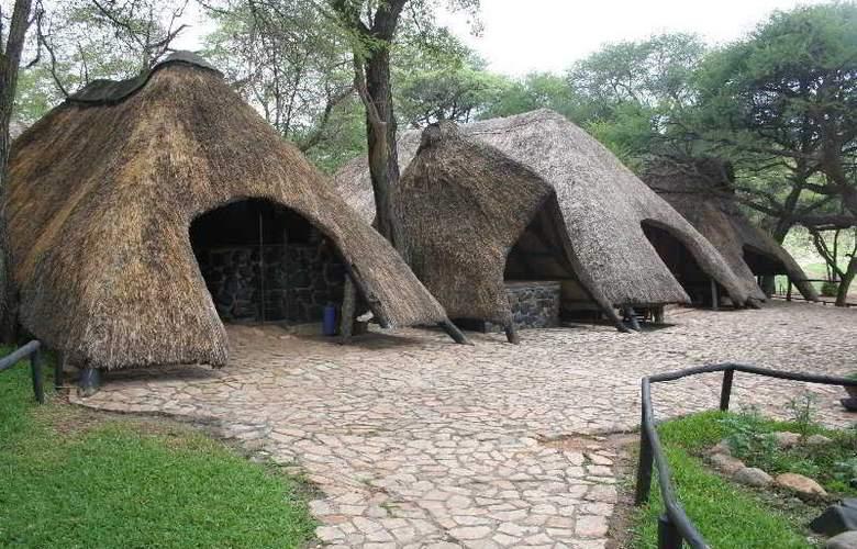Sikumi Tree Lodge - Hotel - 0