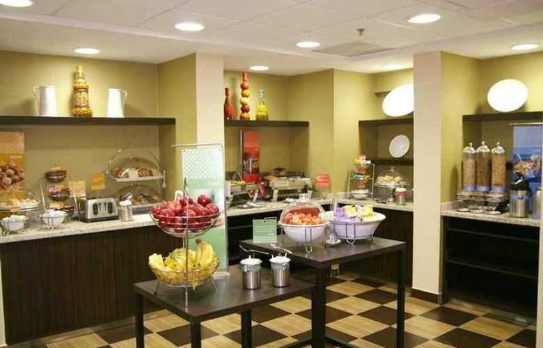 Hampton Inn Monterrey Aeropuerto - Hotel - 5
