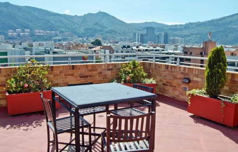 Apartahotel 122 Plaza - Terrace - 20