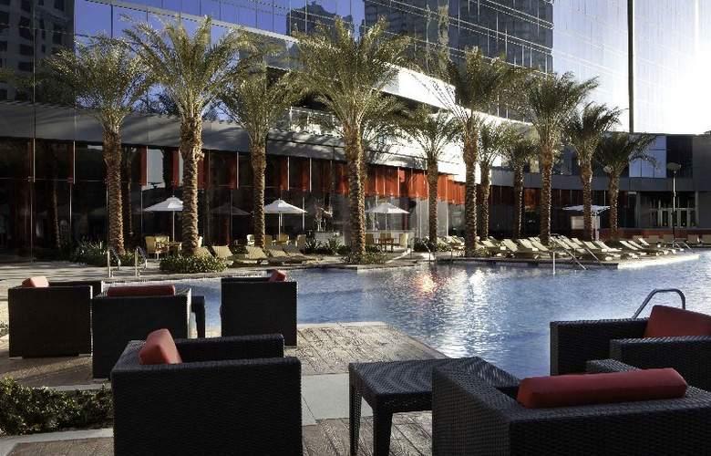 Elara by Hilton Grand Vacations - Center Strip - Pool - 12