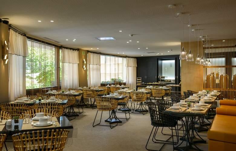 Dom Carlos Park - Restaurant - 4