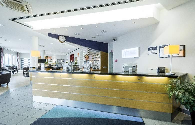 Holiday Inn Express Cologne Muelheim - General - 1
