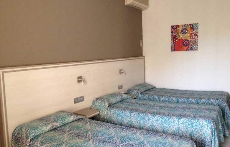 Planas - Room - 18