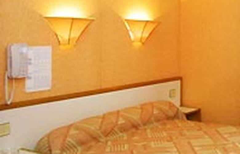 Little - Room - 2