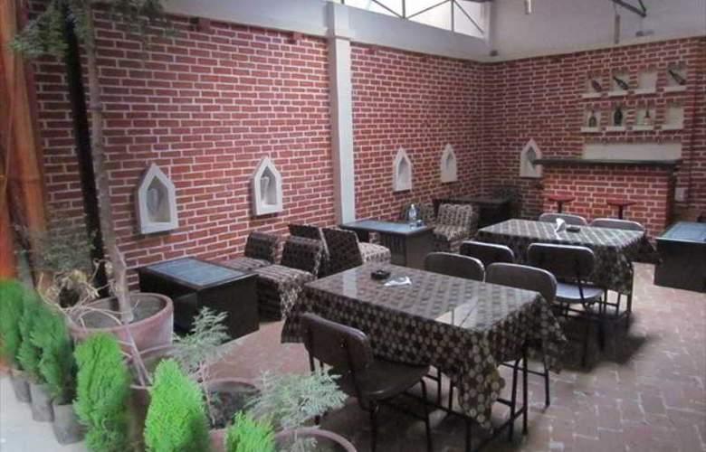 Zen Holidays - Restaurant - 4