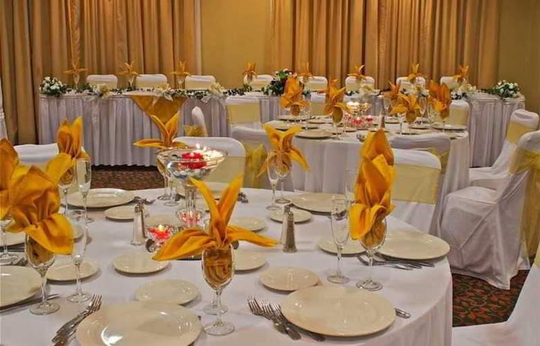 Hilton Garden Inn San Mateo - Conference - 10