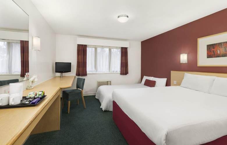 Days Inn London Stansted Airport - Room - 5