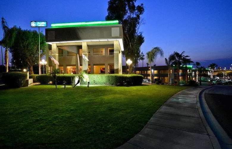 Best Western Plus Inn Suites Yuma Mall - General - 2