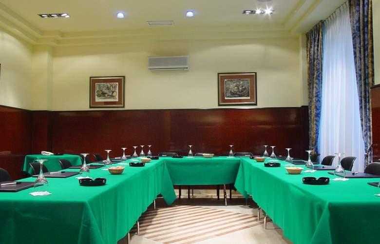 Hotel Sercotel Ciudad de Oviedo - Conference - 12