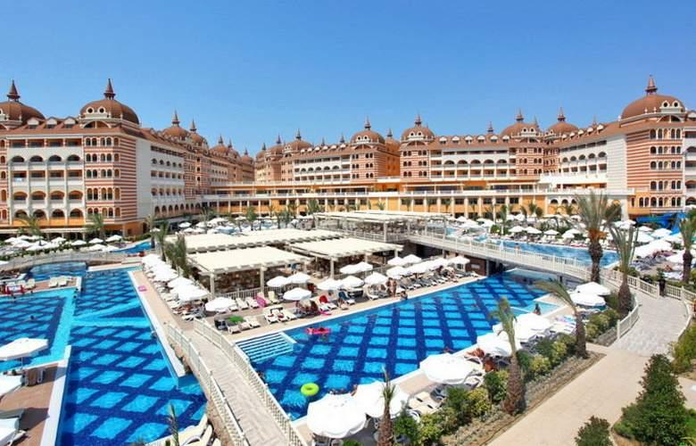 Royal Alhambra Palace - Pool - 4