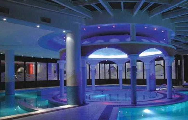 Galini Wellness Spa & Resort - Pool - 4