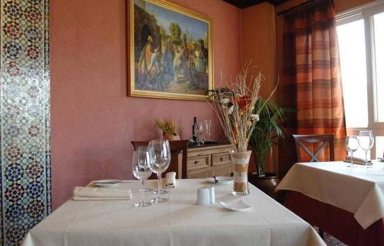 Marbella Hills Hotel & SPA - Restaurant - 4