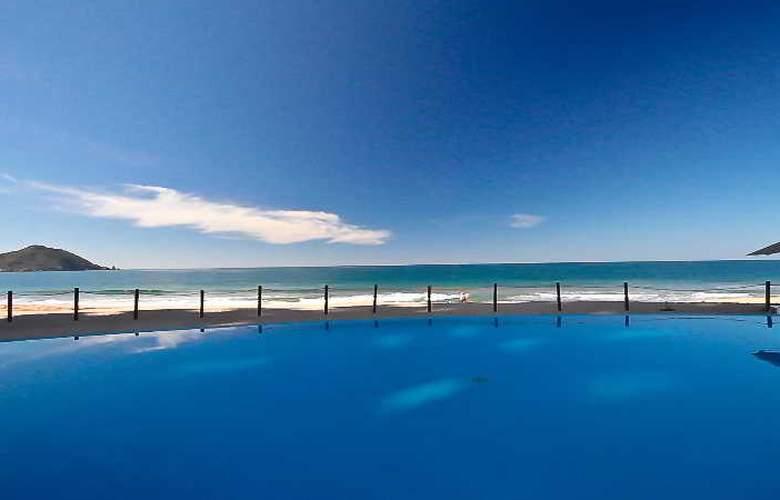 Crowne Plaza Resort Mazatlan - Pool - 36