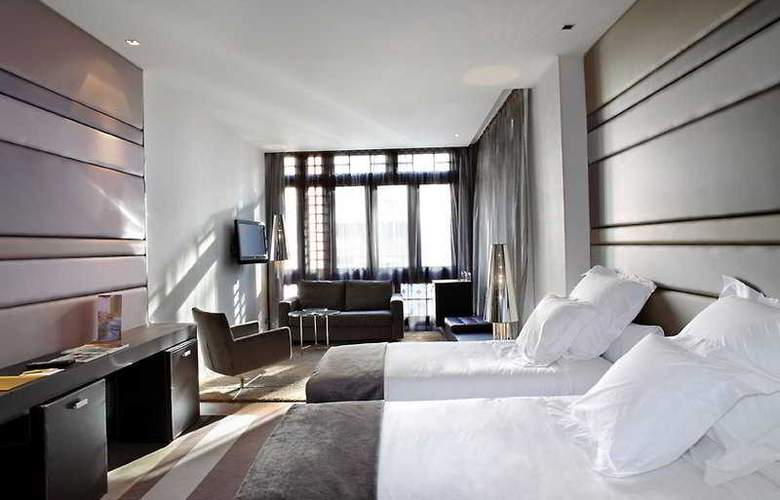 Barceló Oviedo Cervantes - Room - 12