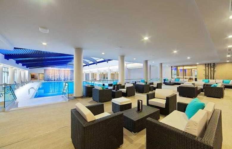 Ramada Parc - Pool - 20