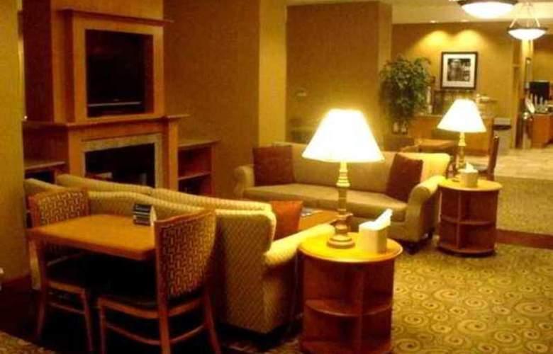 Hampton Inn & Suites Bremerton - Hotel - 5