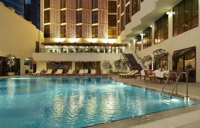 Sheraton Kuwait Hotel & Towers - Pool - 20