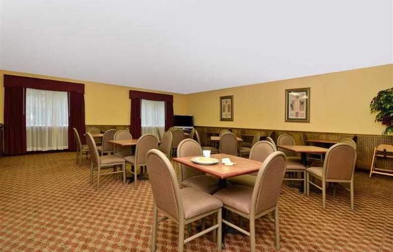 Best Western Woodstone - Hotel - 20