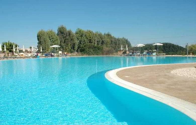 Arenella Resort - Pool - 6