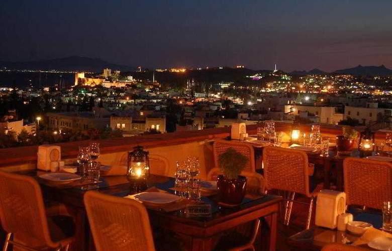 Elvino Hotel - Terrace - 18