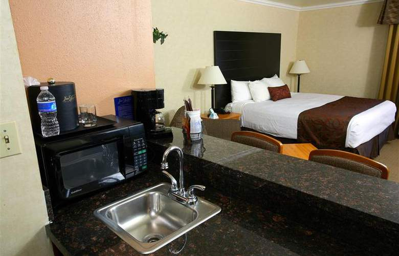 Best Western Plus Inn Suites Yuma Mall - Room - 71