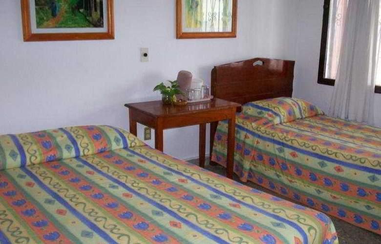 Catalina Beach Resort - Room - 4