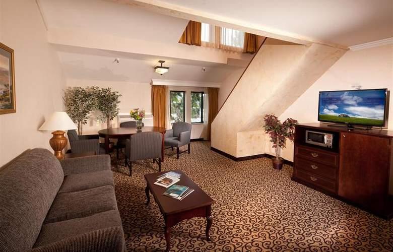 Best Western Plus Inn At The Vines - Room - 12