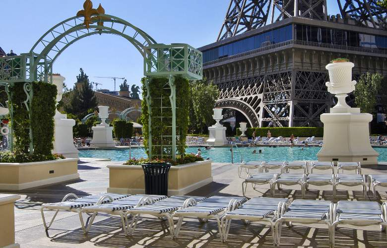 Paris Las Vegas - Pool - 4