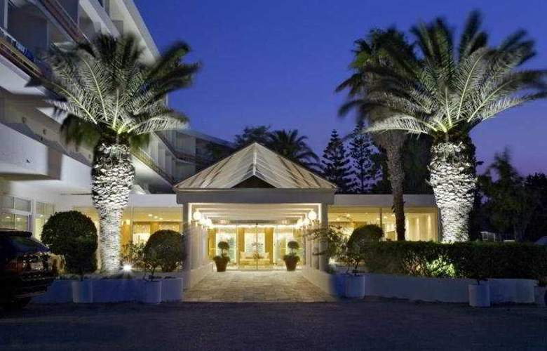 Eden Roc - Hotel - 0