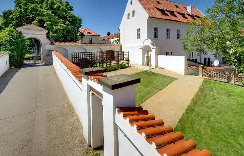 Monastery Garden - Hotel - 5