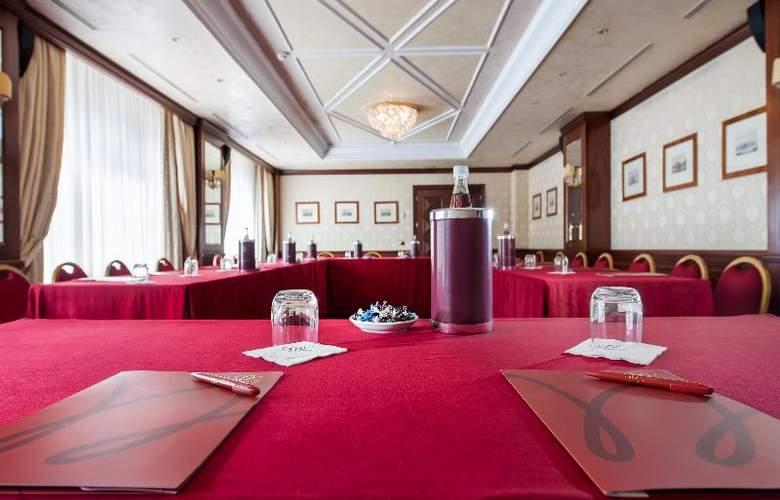 Royal Hotel Carlton - Conference - 16