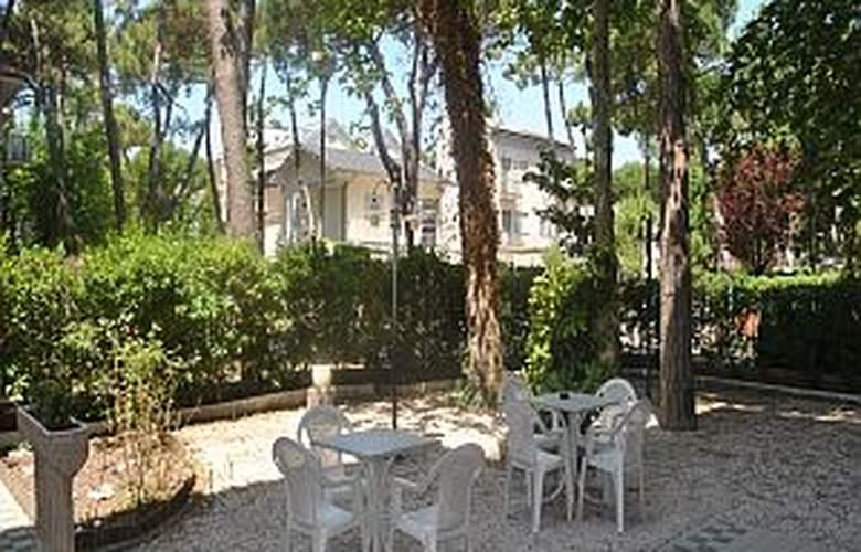 Des Bains - Hotel - 4