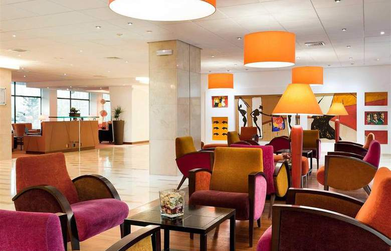 Novotel Madrid Puente de la Paz - Hotel - 11