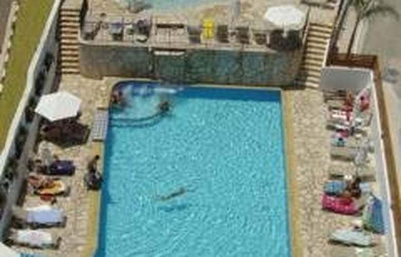 Sandra Hotel Apts - Pool - 4