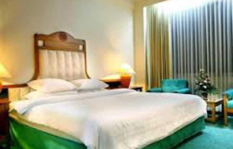 Inna Simpang Surabaya - Room - 9