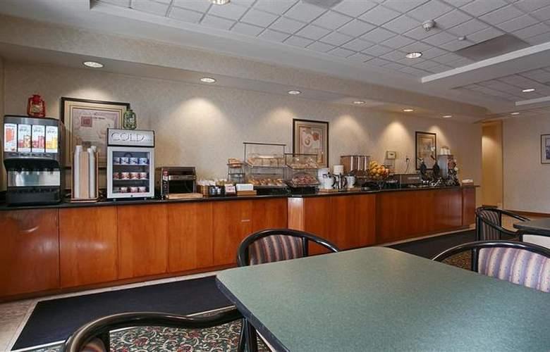 Best Western Plus Coyote Point Inn - Restaurant - 20
