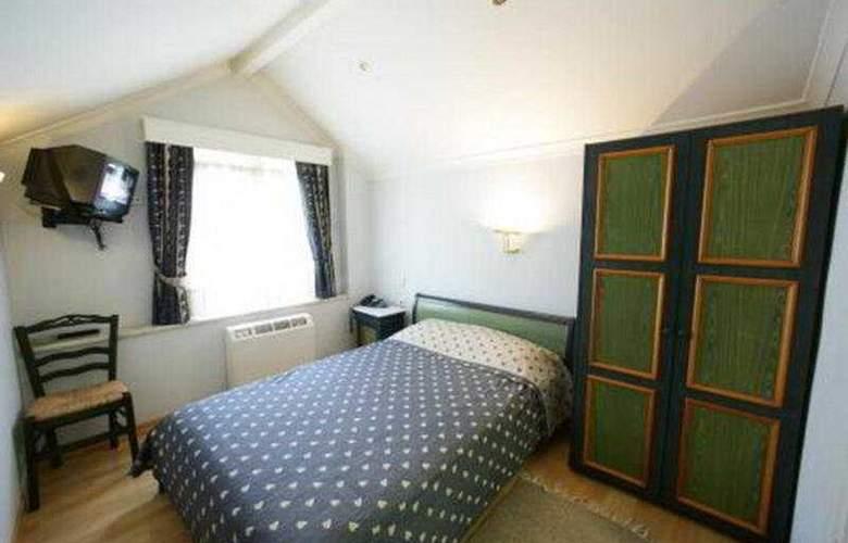 Aiolis - Room - 2