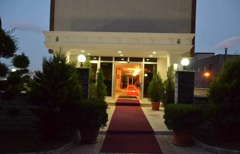Airboss Hotel - Hotel - 0