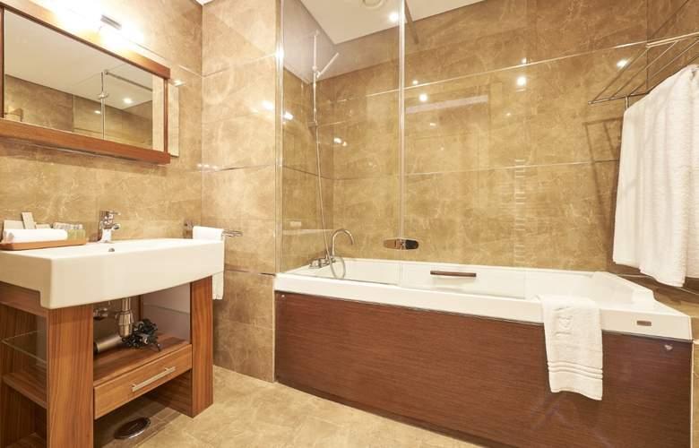 Cascade Wellness & Lifestyle Resort - Room - 12
