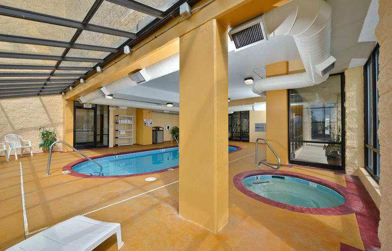 Best Western Knoxville - Pool - 88