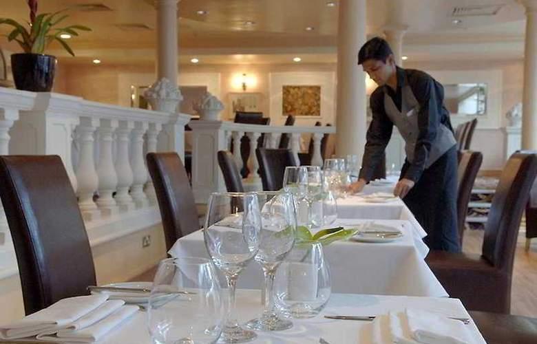 The Brands Hatch Thistle - Restaurant - 4