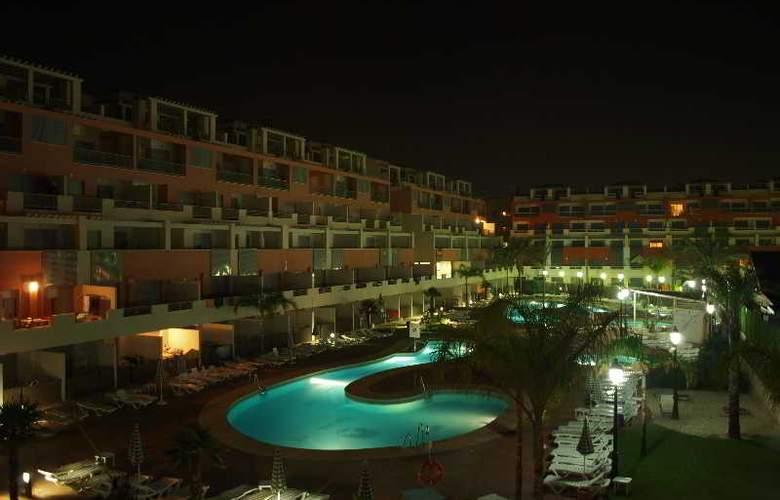 Suite Hotel Puerto Marina - Pool - 13